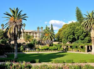 Go sightseeing in Windhoek